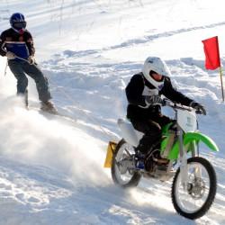 Moto Skijorings